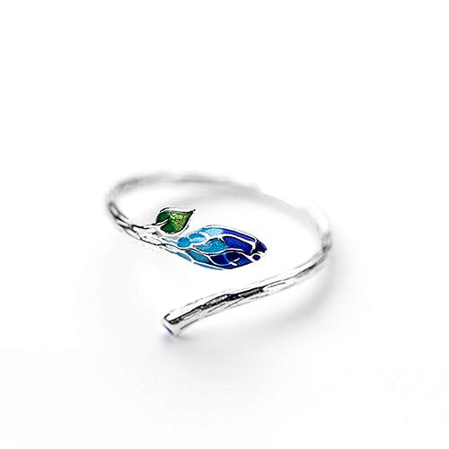 Elm Leaf Ring